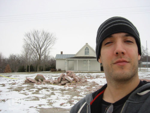 selfie in front of American Gothic House